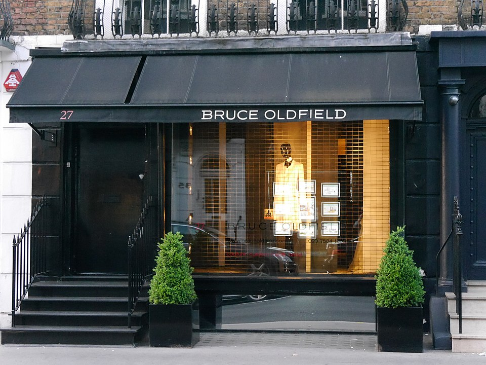 Bruce Oldfield store, Beauchamp Place, London (2016)