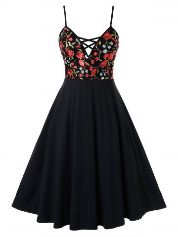 Plus Size Floral Embroidered Cami Backless Flare Dress