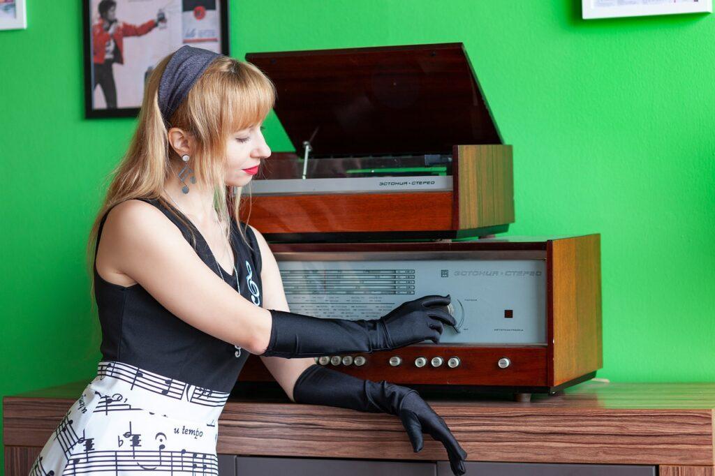 vintage gramaphone and radio